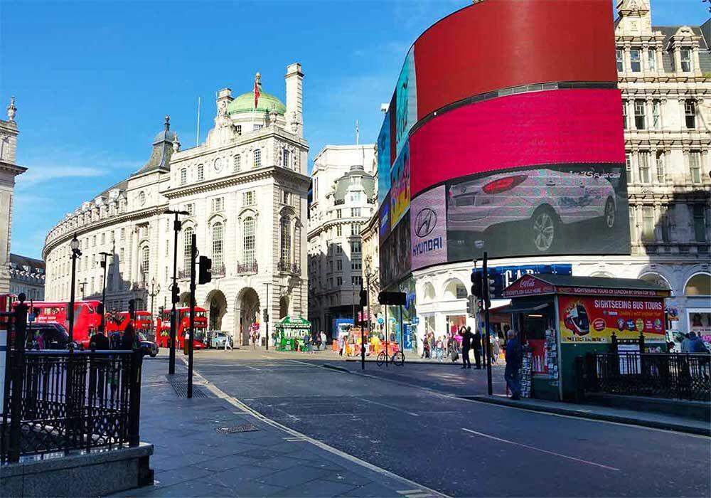 10 cose da vedere a londra picadilly circus