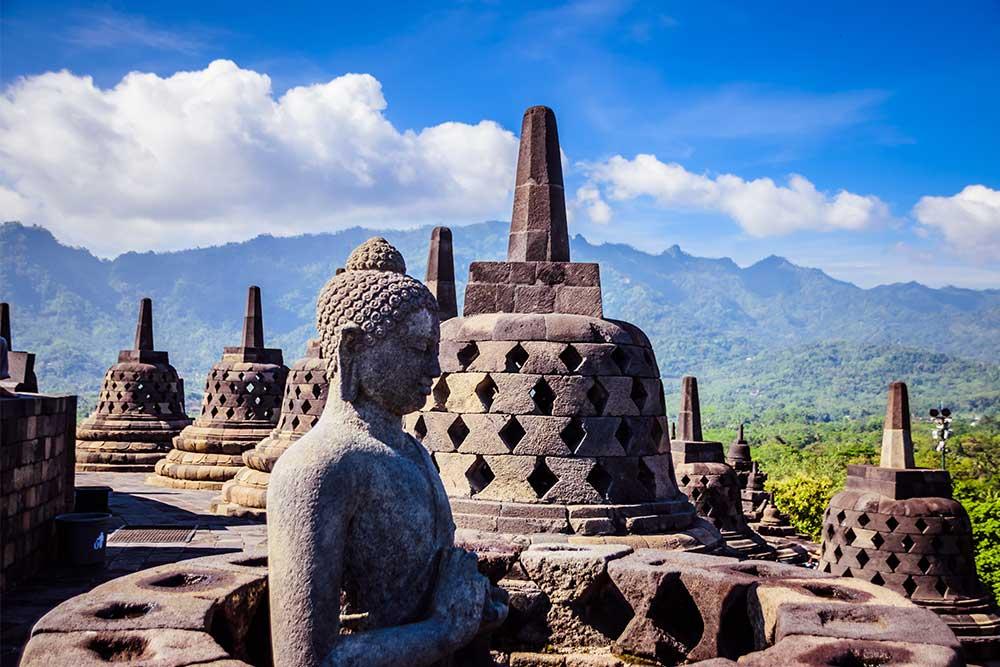 borobudur indonesia positivitrip