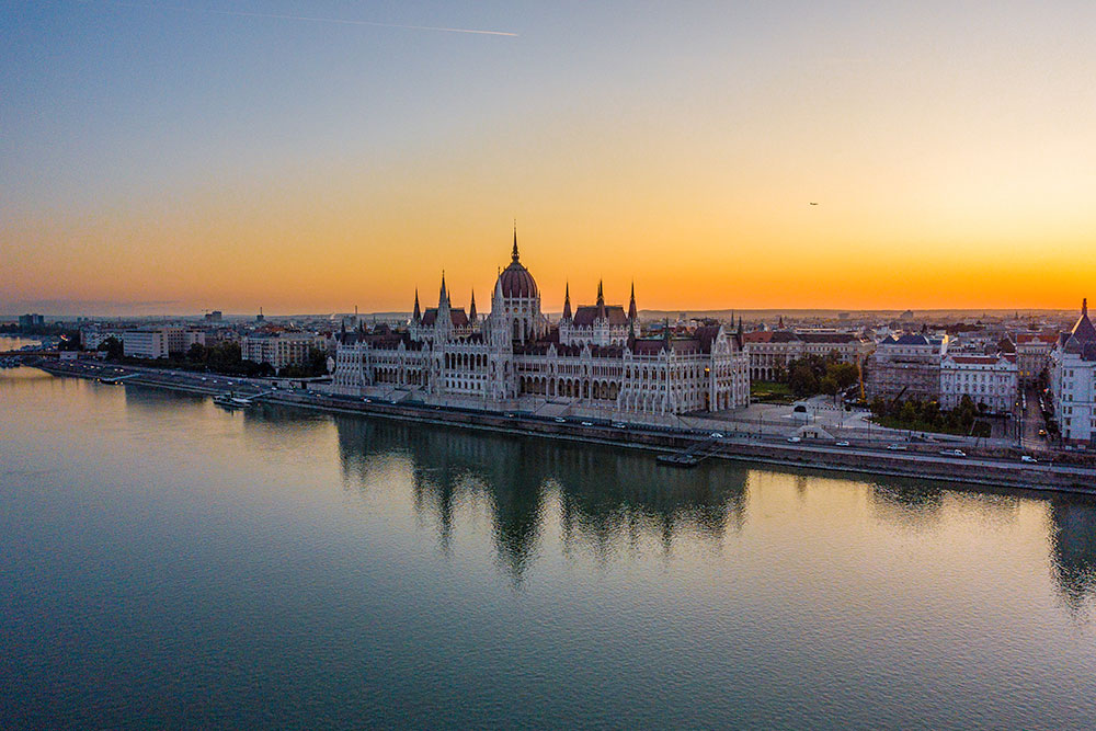 10-cose-da-vedere-a-Budapest-parlamento-ungherese