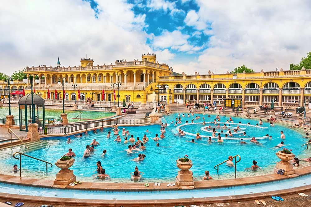 10-cose-da-vedere-a-Budapest-terme-bagni-termali