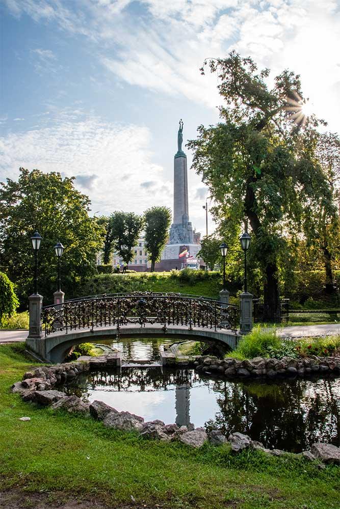 Conviene-visitare-Riga-giardini-parchi-teatro