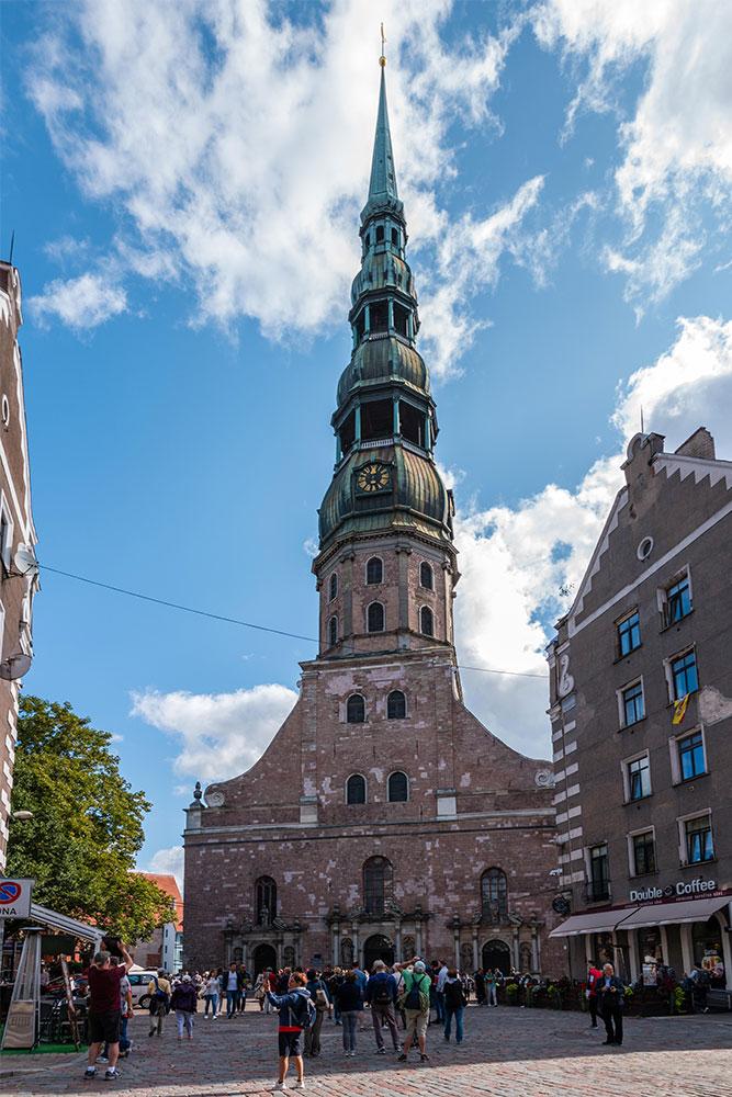 Conviene-visitare-Riga-chiesa-san-pietro