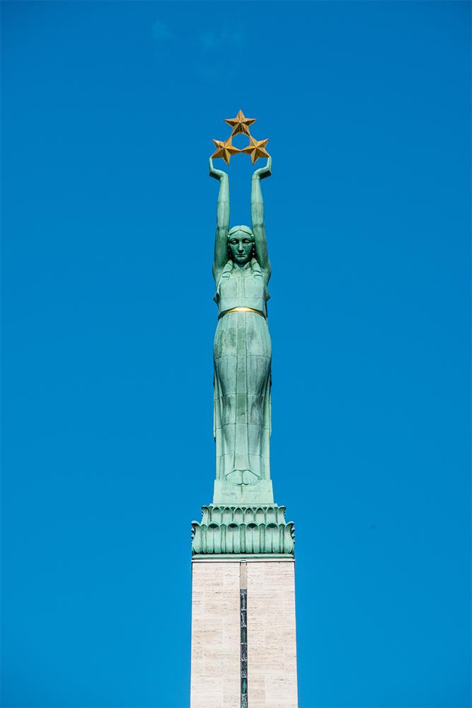 Conviene-visitare-Riga-monumento-libertà