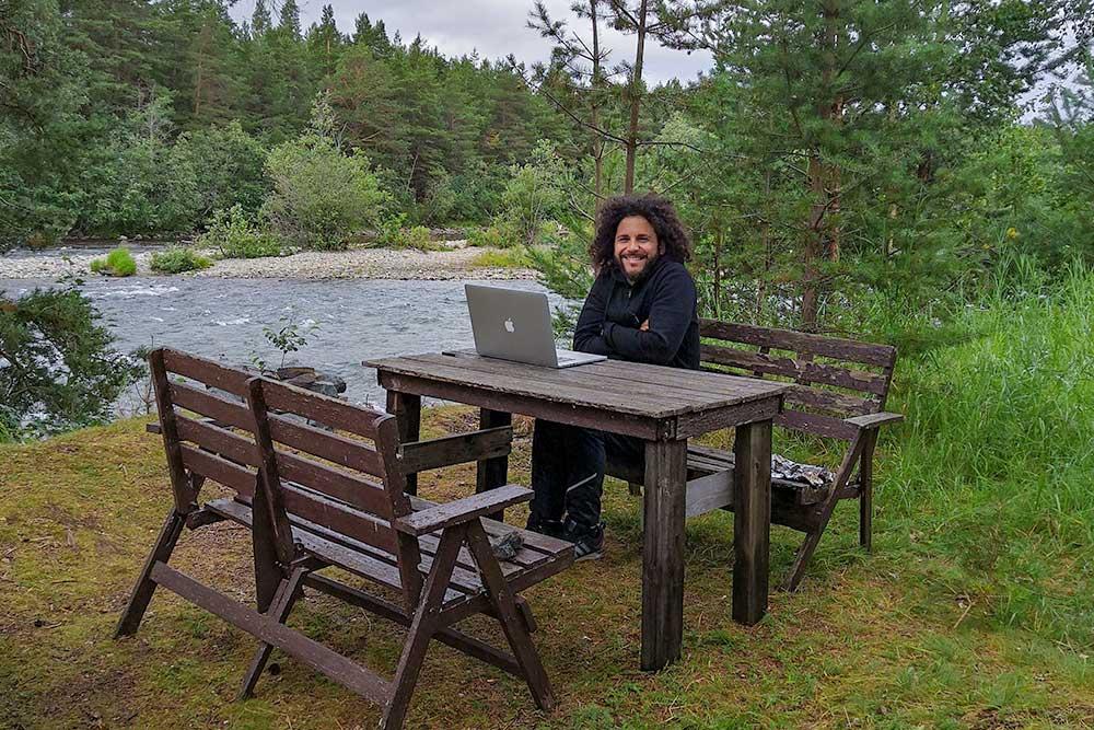 viaggiare e lavorare come nomade digitale norvegia positivitrip natura