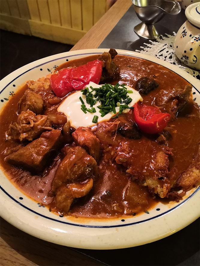 Cosa-mangiare-a-Cracovia-goulash