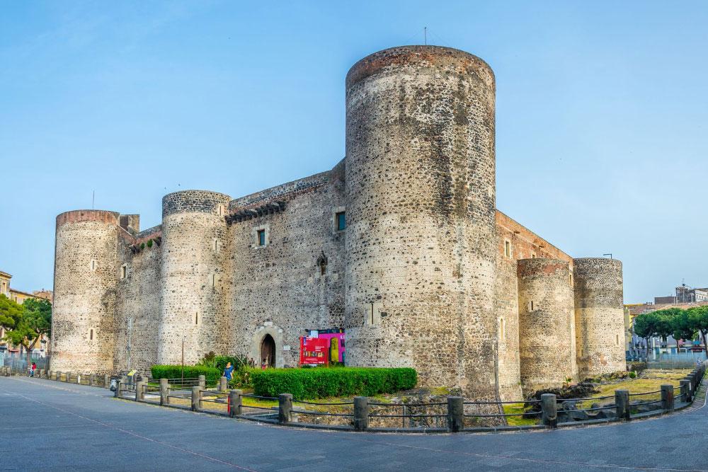 Castelli-in-Italia-castello-ursino-catania