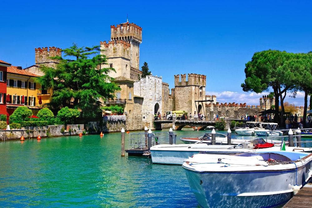 Castelli-in-Italia-castello-scaligero-sirmione