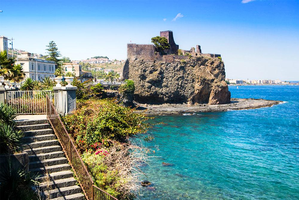 cosa-vedere-a-Catania-in-3-giorni-castello-aci