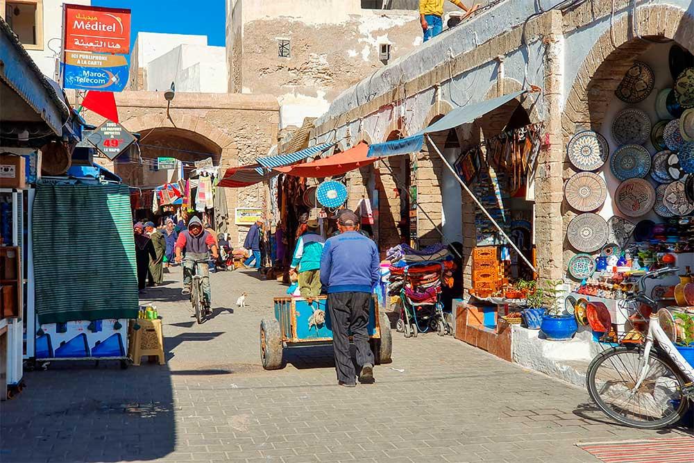 Cosa-vedere-a-Essaouira-Medina-negozi-di-artigianato
