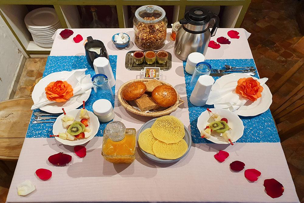 Riad-a-Rabat-colazione-tipica-marocchina-dar-mayssane