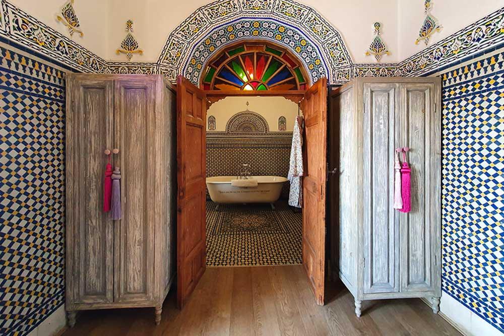 Riad-a-Rabat-armadi-camera-da-letto