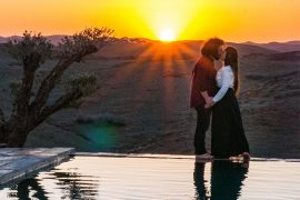coppia-che-si-bacia-al-tramonto-positivitrip