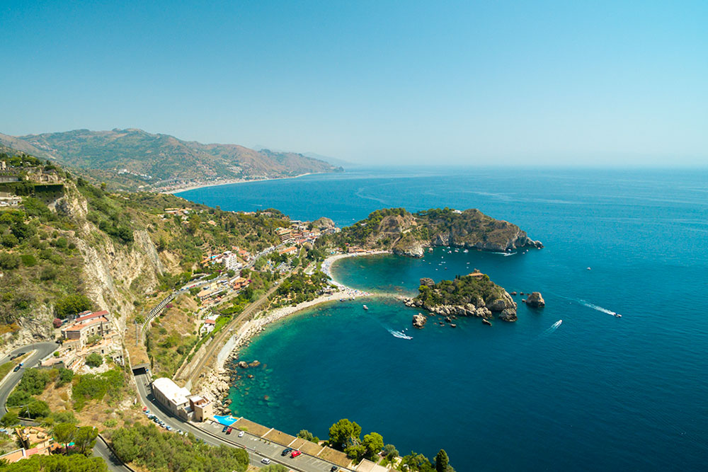 dove-andare-in-vacanza-a-Giugno-taormina-isola-bella