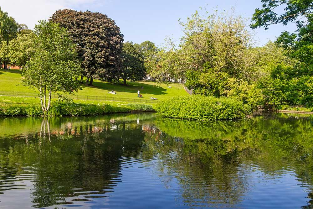 dublino-quando-andare-primavera-phoenix-park-parco-verde-laghetto