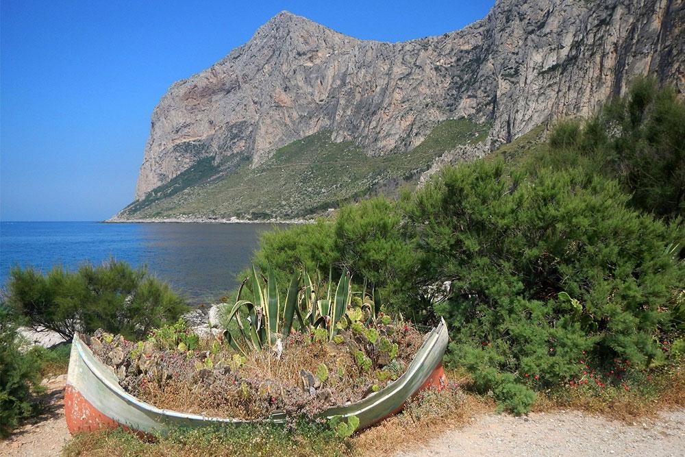 la riserva naturale di capo gallo in sicilia