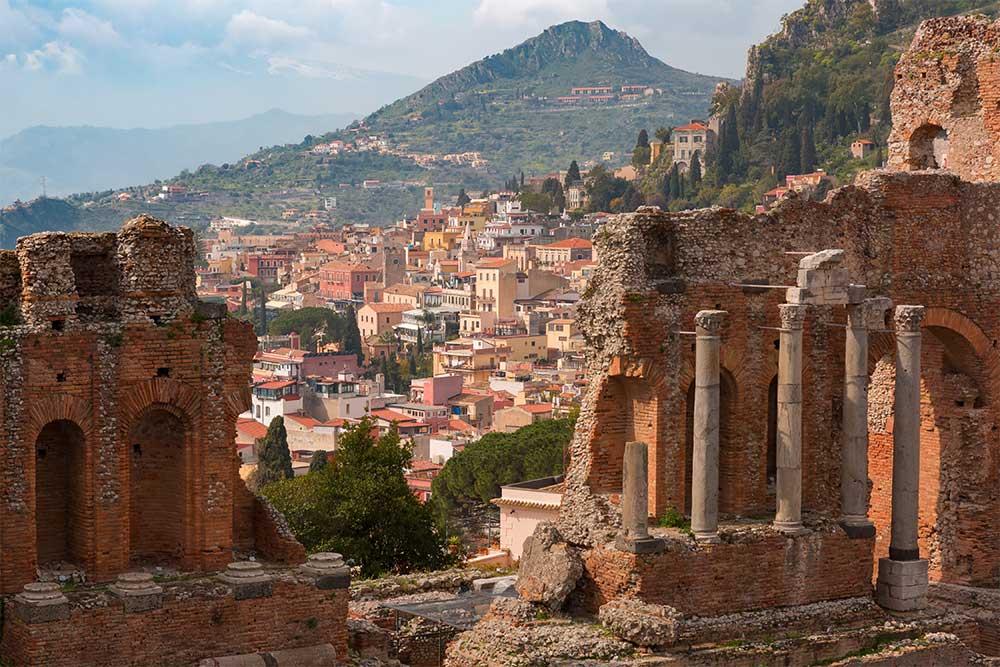 teatro-greco-taormina-sicilia-on-the-road