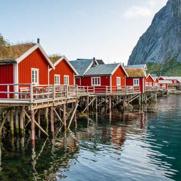 Pronti per i viaggi di gruppo alle isole Lofoten? Quest'anno l'estate si passa in Norvegia!