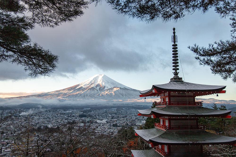 cosa-visitare-in-Giappone-monte-fuji-tempio
